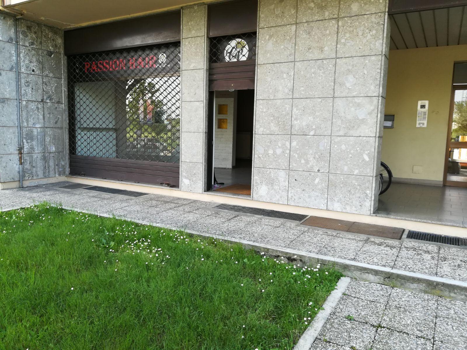 FONDO COMMERCIALE in Affitto a S.Antonio - S. Andrea, Novara (NOVARA)