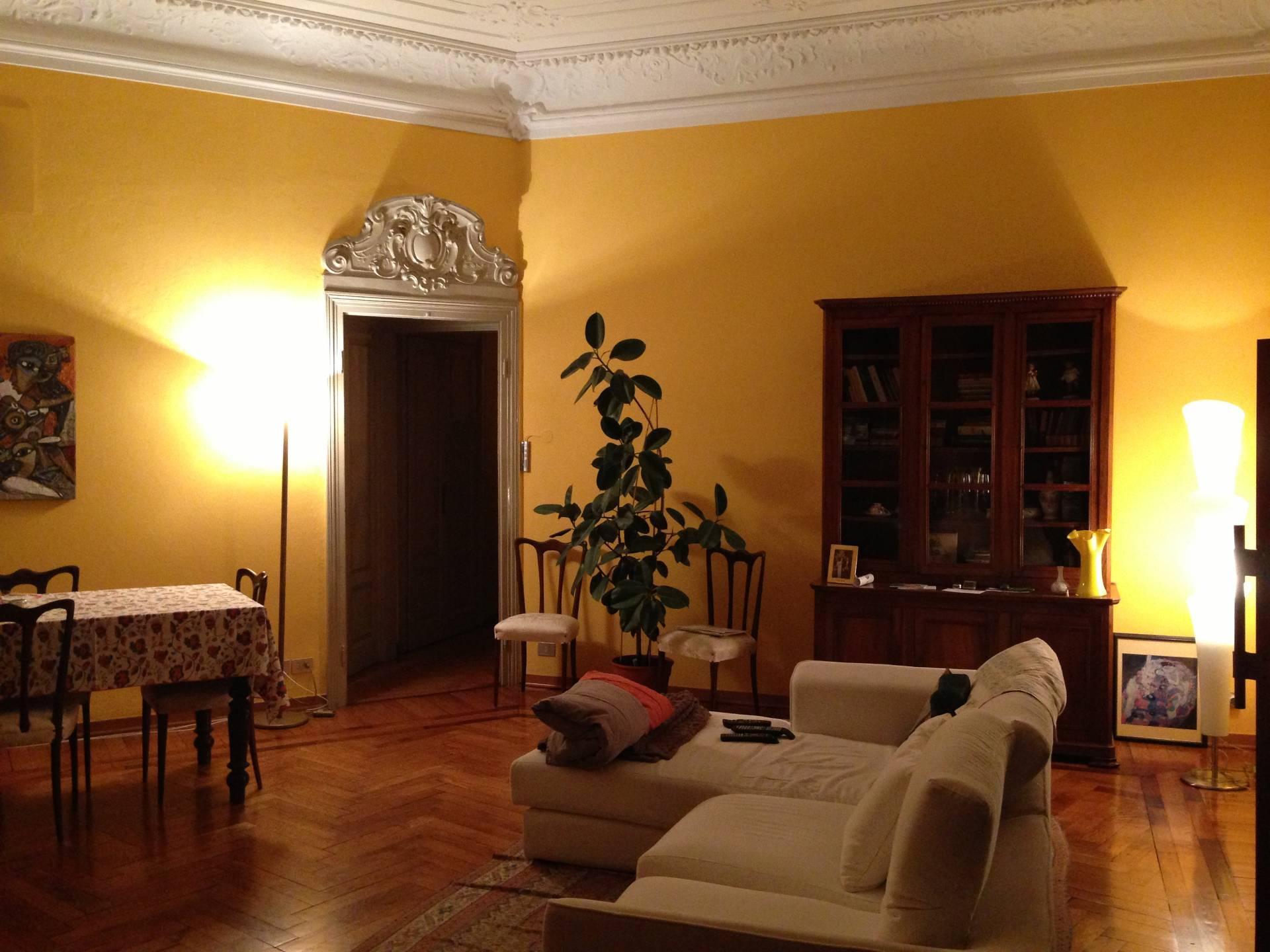 Appartamento in affitto a Novara, 4 locali, zona Zona: Centro, prezzo € 1.500 | CambioCasa.it