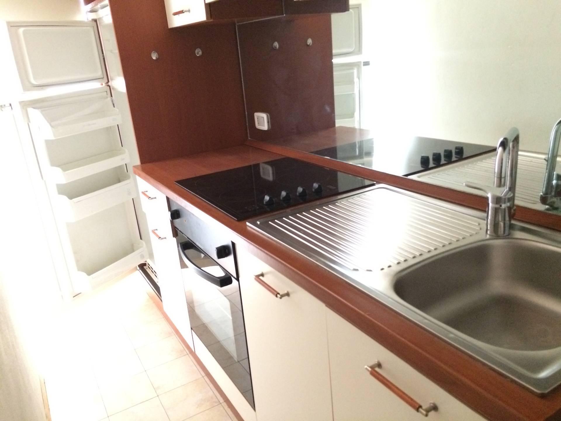 Appartamento in affitto a Novara, 2 locali, zona Zona: Centro, prezzo € 380 | CambioCasa.it