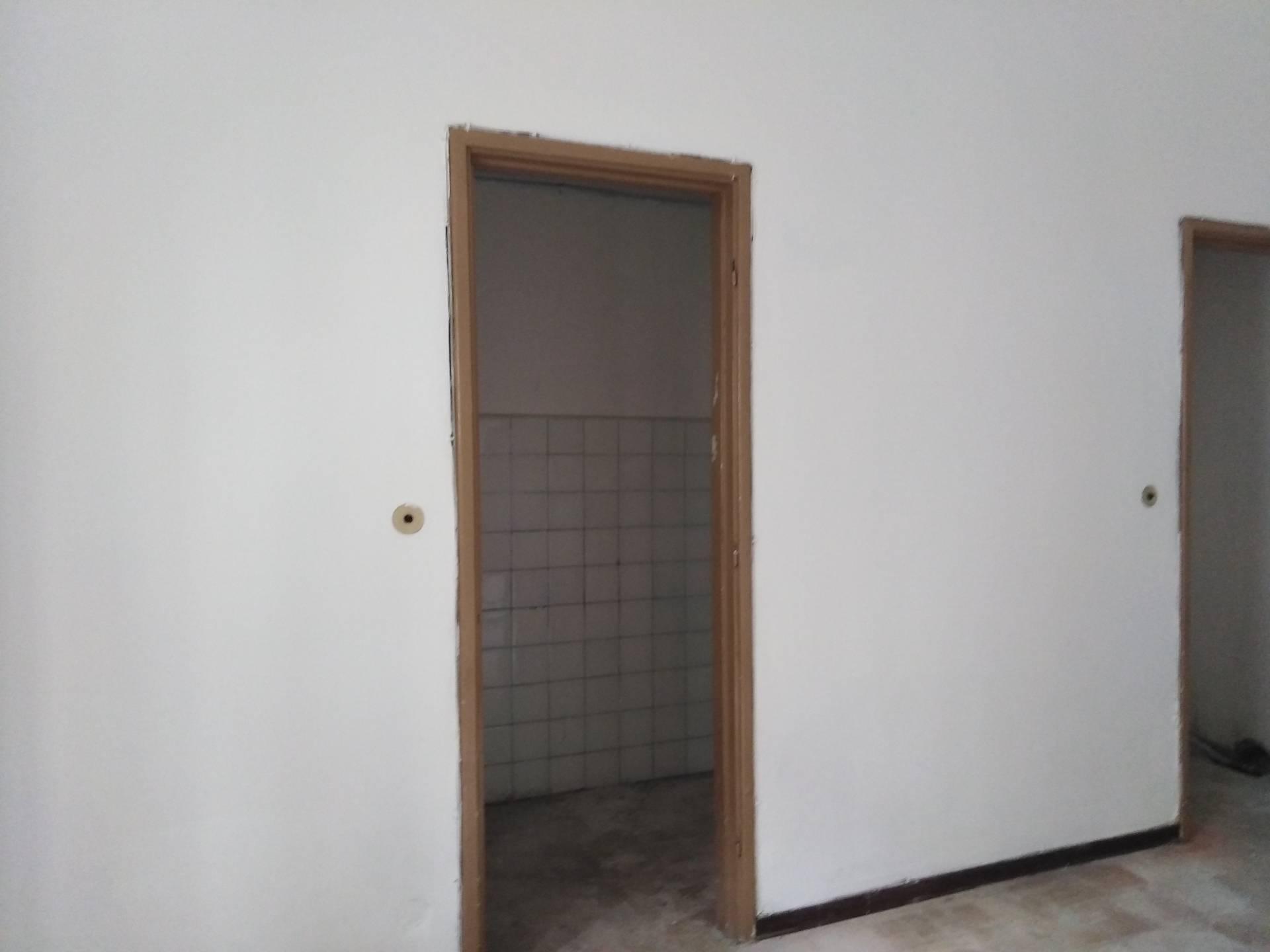 Appartamento in affitto a Novara, 2 locali, zona Località: S.Cuore-S.Martino, prezzo € 350 | CambioCasa.it