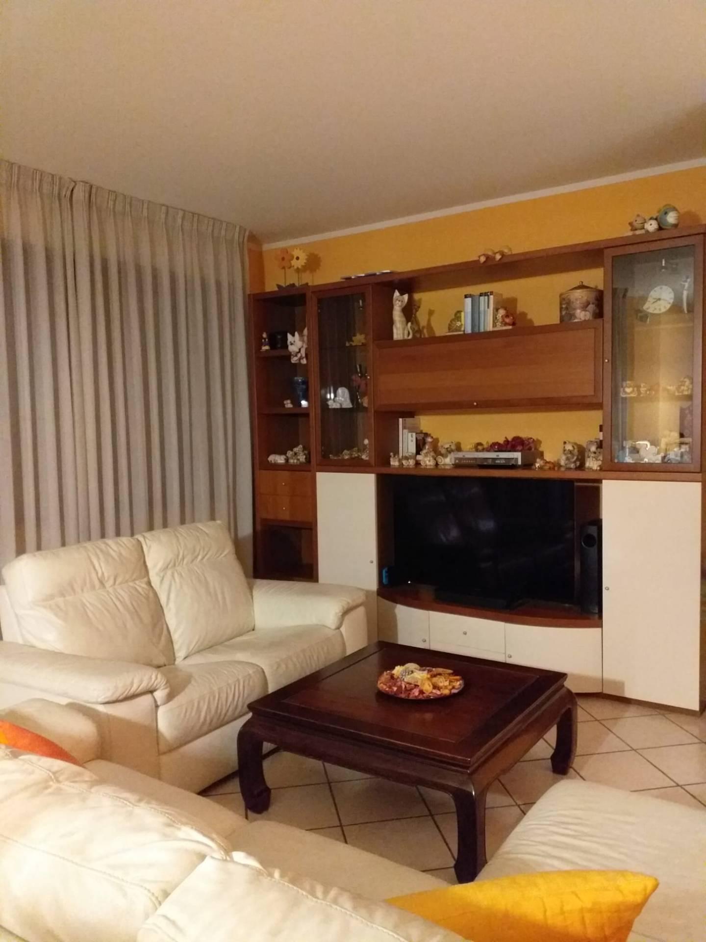Appartamento in affitto a Novara, 3 locali, zona Località: Bicocca-S.Rita, prezzo € 800 | CambioCasa.it