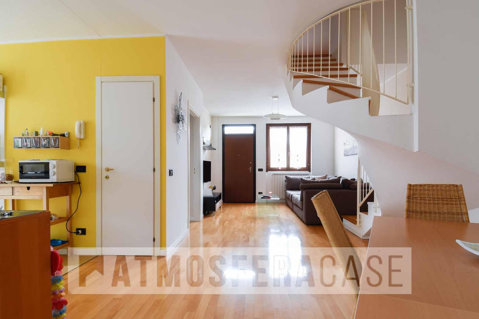 Appartamento in vendita a Brembate di Sopra, 4 locali, prezzo € 159.000 | CambioCasa.it