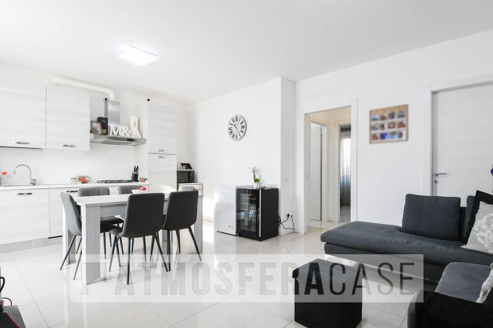 Appartamento in vendita a Albino, 2 locali, zona Zona: Comenduno, prezzo € 129.000 | CambioCasa.it