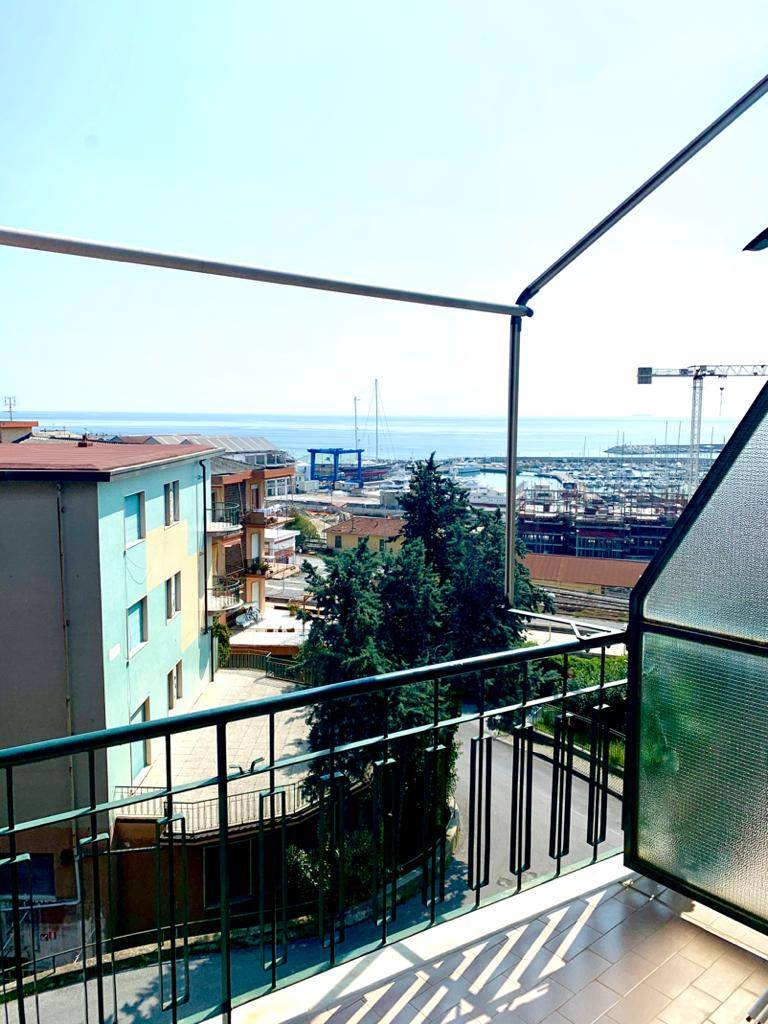 Appartamento in affitto a Varazze, 3 locali, zona Località: Varazze, prezzo € 650 | PortaleAgenzieImmobiliari.it