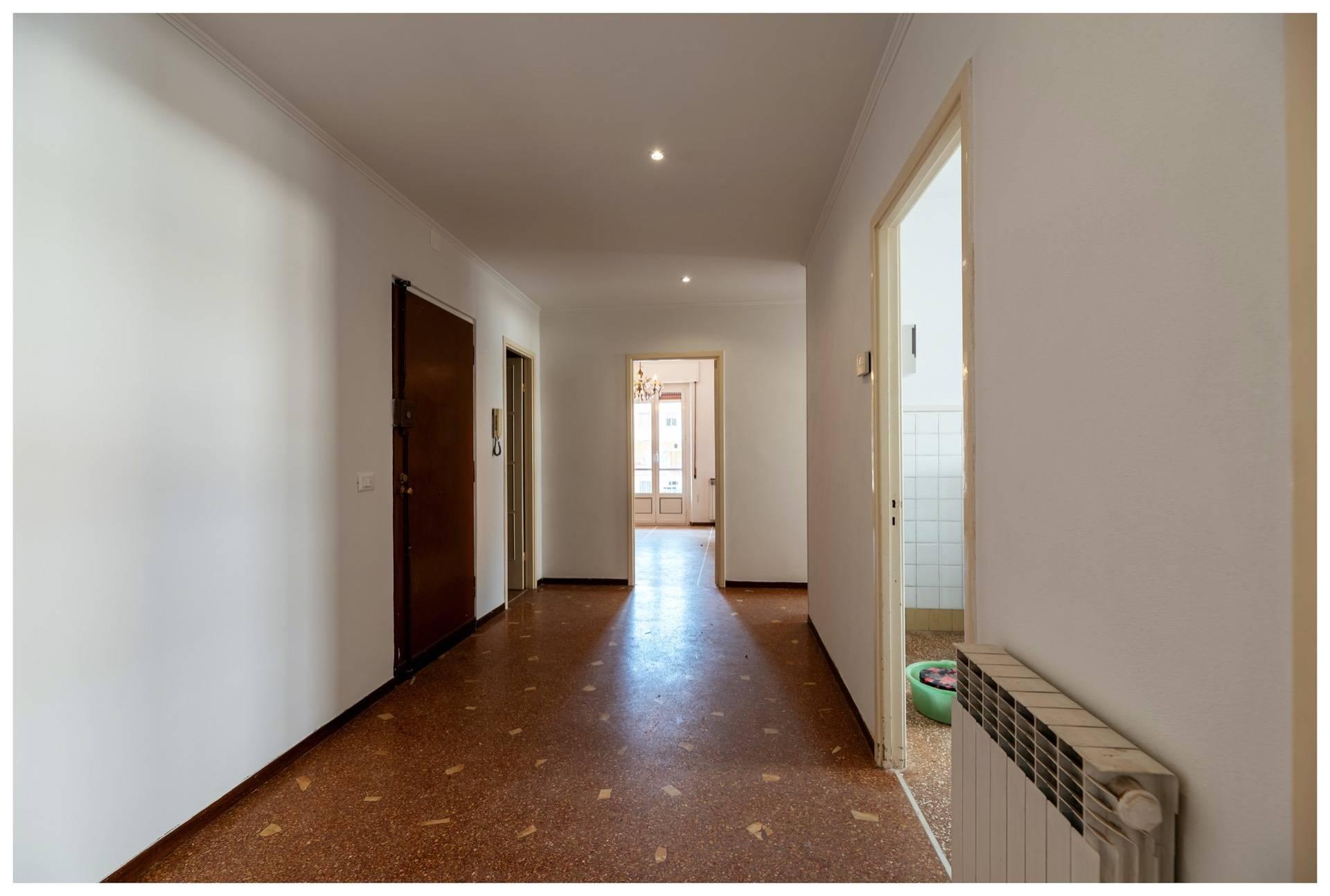 Appartamento in affitto a Varazze, 5 locali, zona Località: Varazze, prezzo € 730 | PortaleAgenzieImmobiliari.it