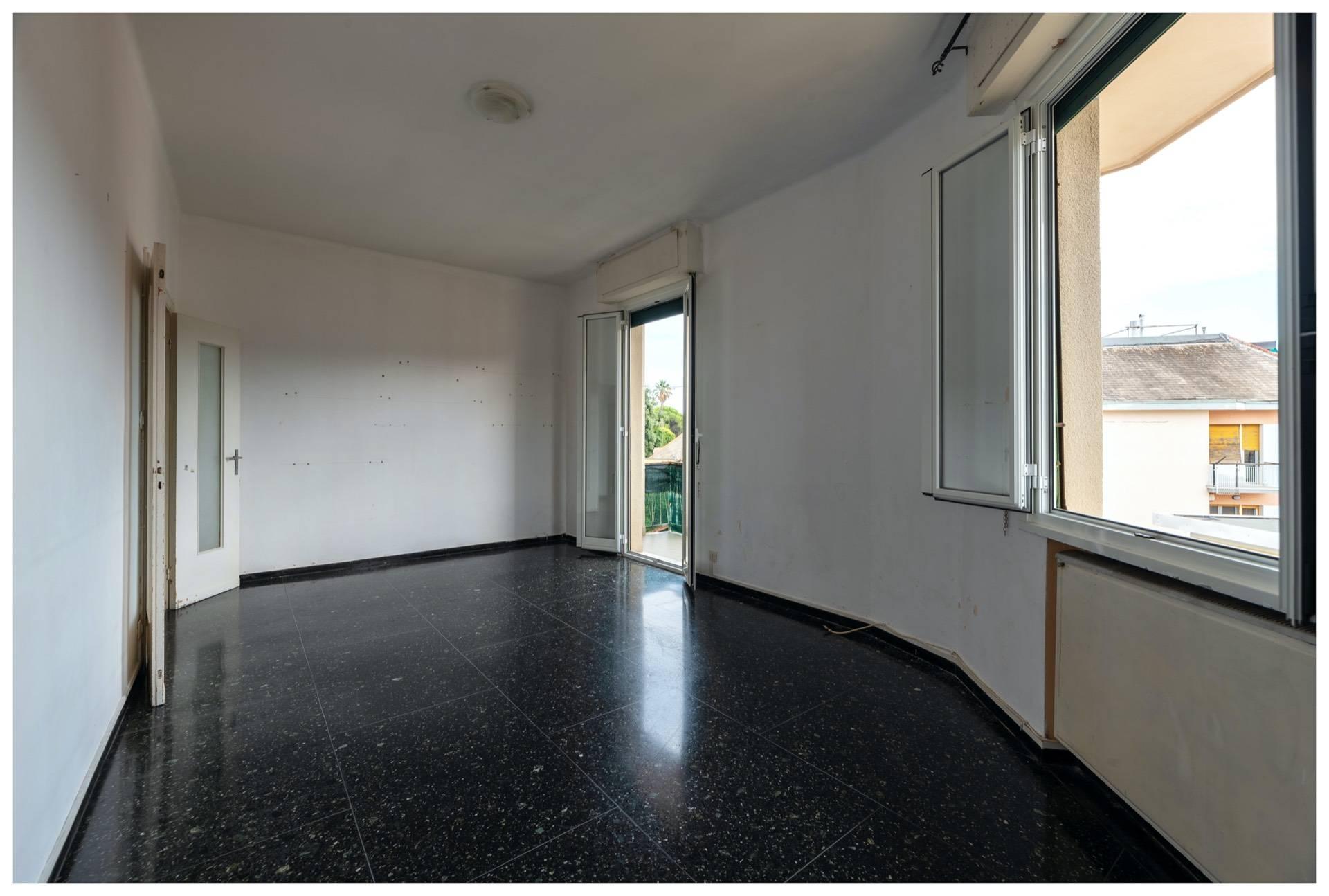 Appartamento in affitto a Arenzano, 5 locali, zona Località: Stazione/Rue, prezzo € 750 | PortaleAgenzieImmobiliari.it