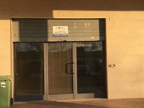 Locale commerciale in Affitto a Guidonia Montecelio