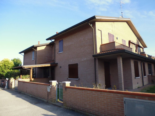 Villette a schiera in Affitto a Ferrara