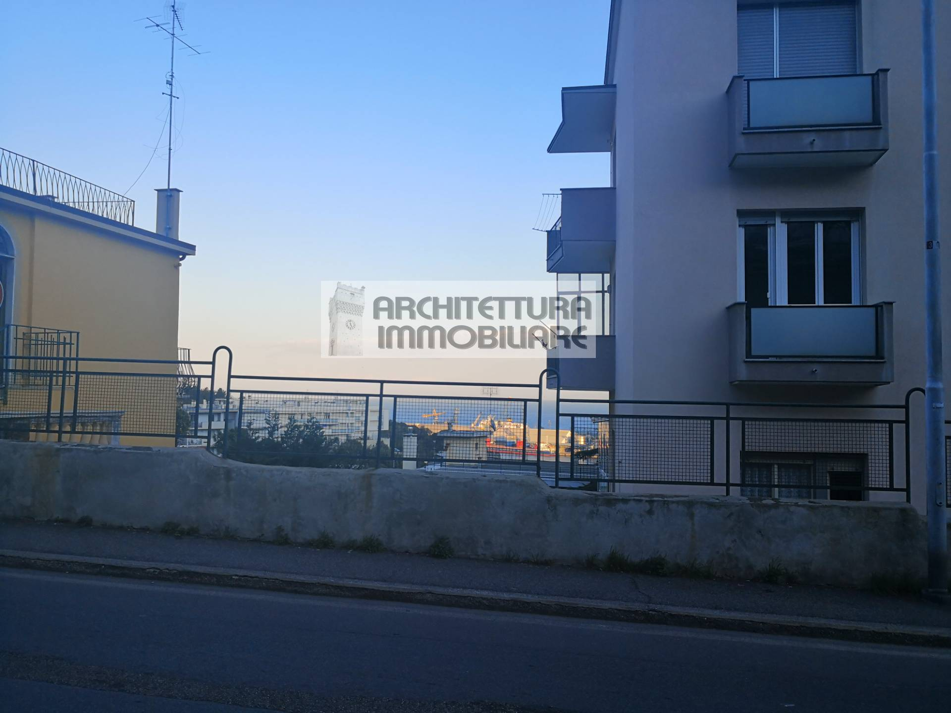 Appartamento, 100 Mq, Vendita - Savona (Savona)
