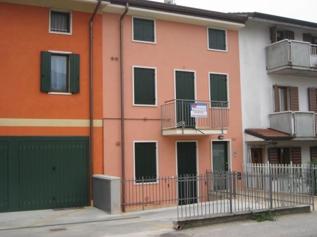 Appartamento in Affitto a Villafranca di Verona