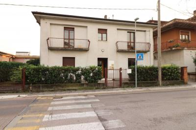 Casa singola in Vendita a Sommacampagna