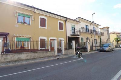 Casa Indipendente in Vendita a Sommacampagna