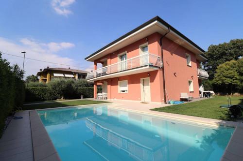 Villa in Vendita a Sommacampagna