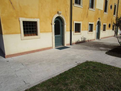 Appartamento in Affitto a Sommacampagna