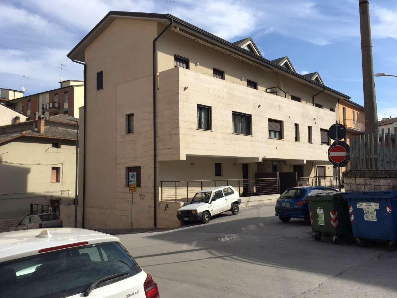 Appartamento, 90 Mq, Vendita - Campobasso (Campobasso)