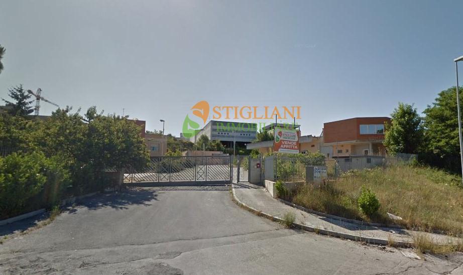 Negozio / Locale in affitto a Campobasso, 9999 locali, zona Località: Periferia, Trattative riservate | CambioCasa.it
