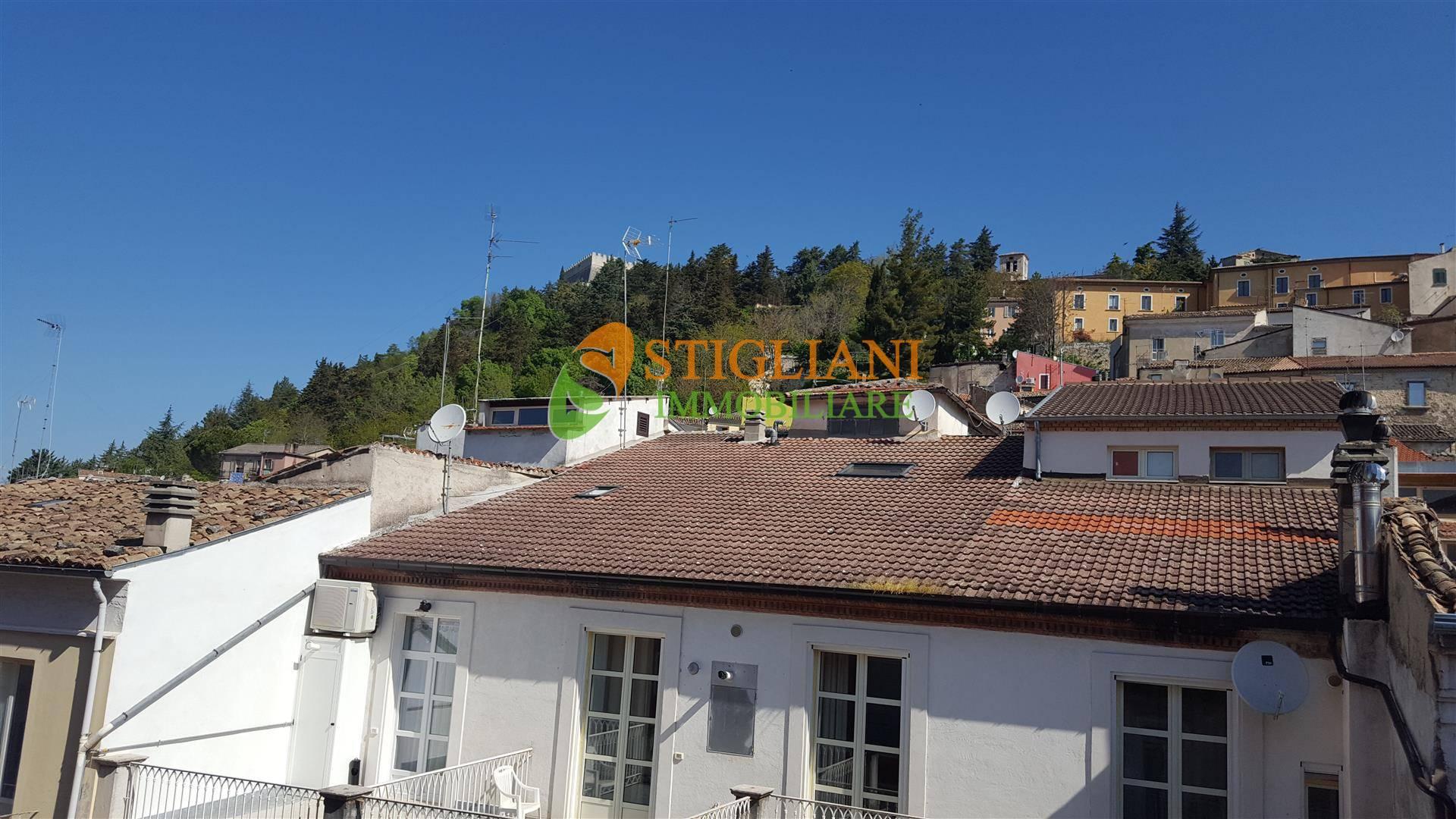 Appartamento in affitto a Campobasso, 4 locali, zona Località: Centrostorico, prezzo € 350 | CambioCasa.it