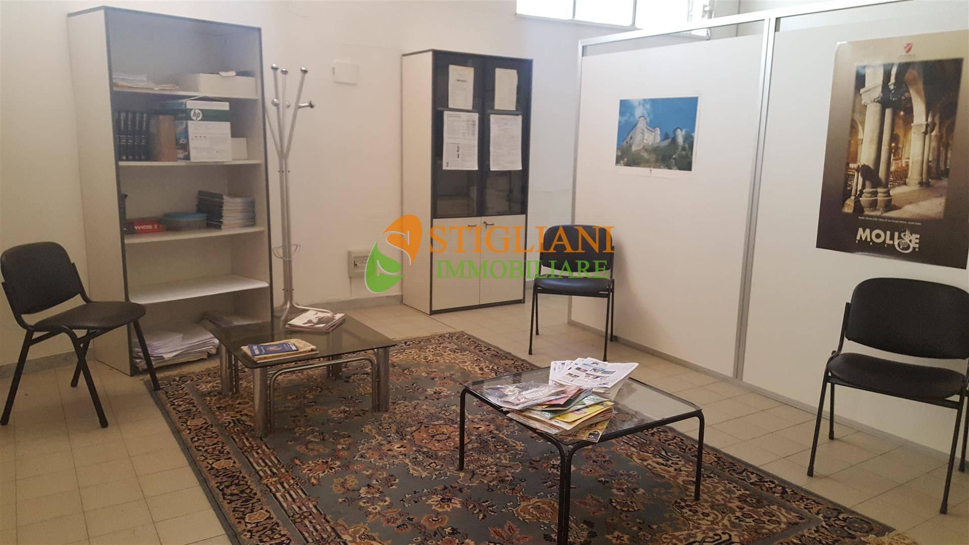 Negozio / Locale in affitto a Campobasso, 9999 locali, zona Zona: Semicentro, Trattative riservate | CambioCasa.it