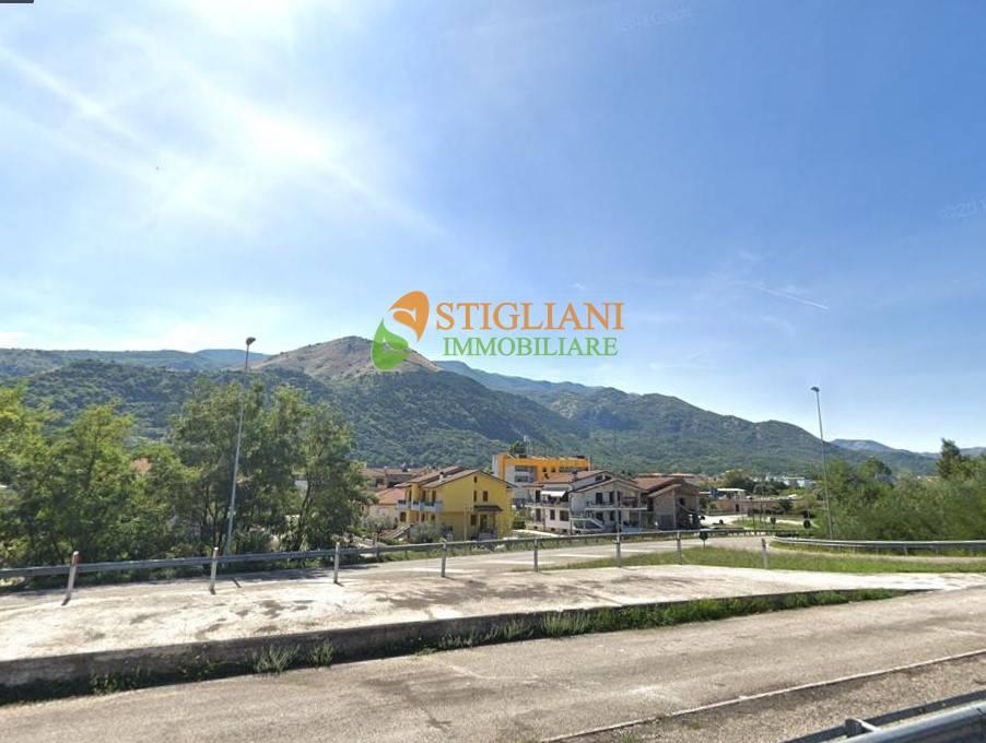 Negozio / Locale in vendita a Bojano, 9999 locali, zona Località: ViaMolise, Trattative riservate | CambioCasa.it