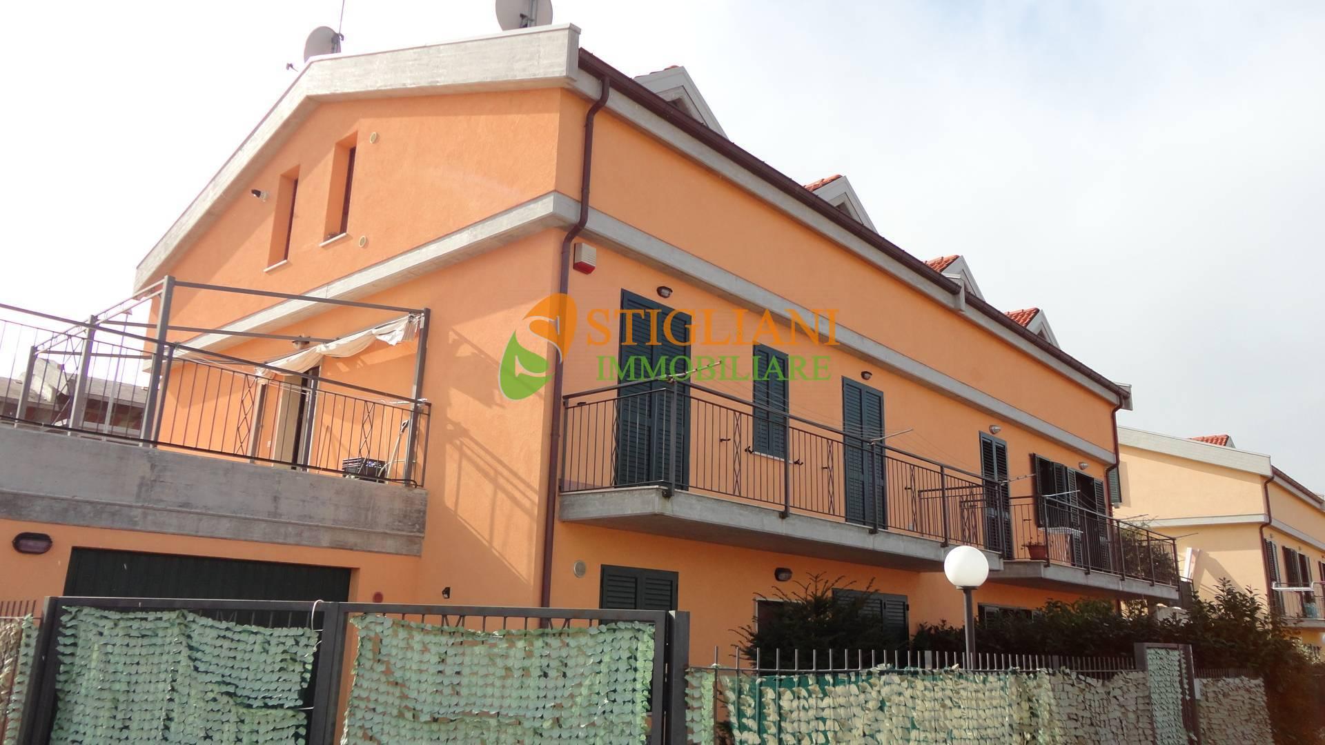 Villa Bifamiliare in vendita a Ripalimosani, 7 locali, zona Località: ContradaIontapede, prezzo € 240.000 | CambioCasa.it