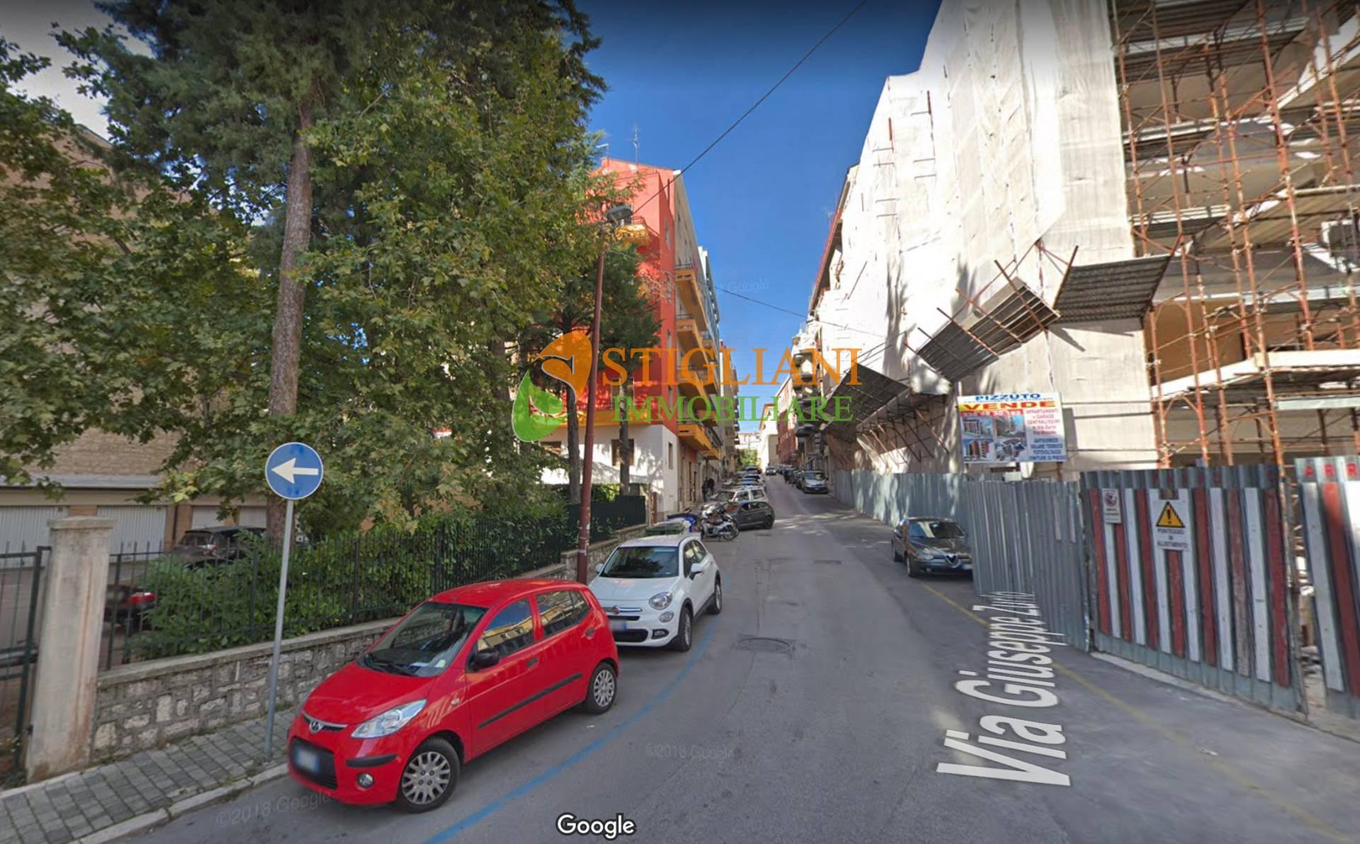 Appartamento in affitto a Campobasso, 6 locali, zona Zona: Centro, prezzo € 350 | CambioCasa.it