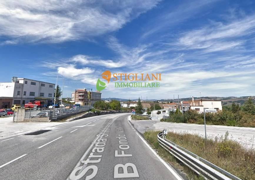 Laboratorio in affitto a Ripalimosani, 9999 locali, zona Località: ZonaIndustriale, Trattative riservate | CambioCasa.it
