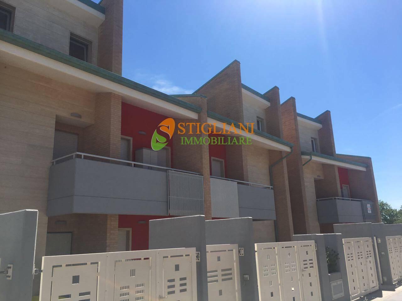 Appartamento in vendita a San Salvo, 3 locali, zona Località: SanSalvoMarina, Trattative riservate   CambioCasa.it