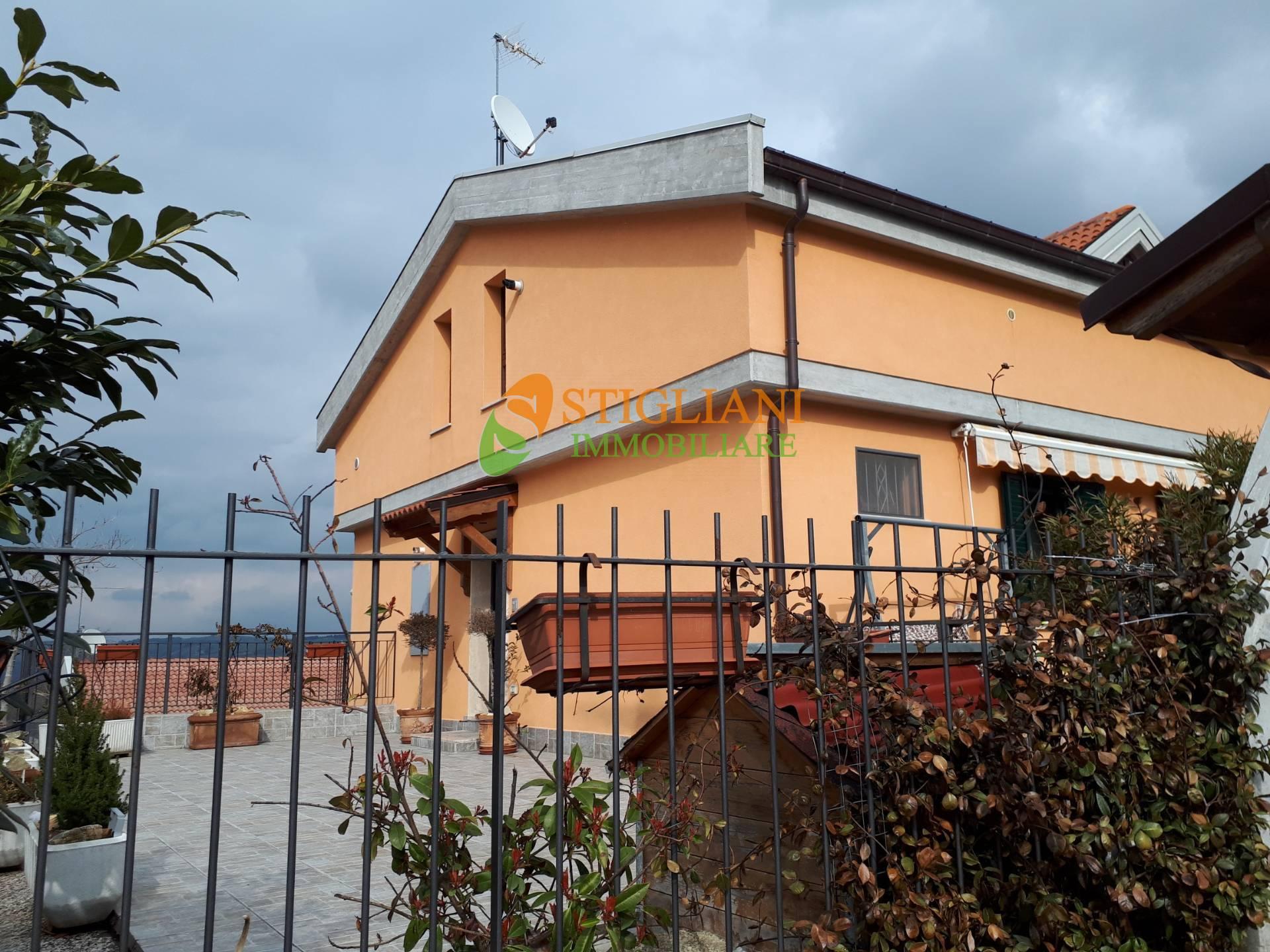Appartamento in vendita a Ripalimosani, 6 locali, zona Località: ViaRaffaello, prezzo € 230.000 | CambioCasa.it