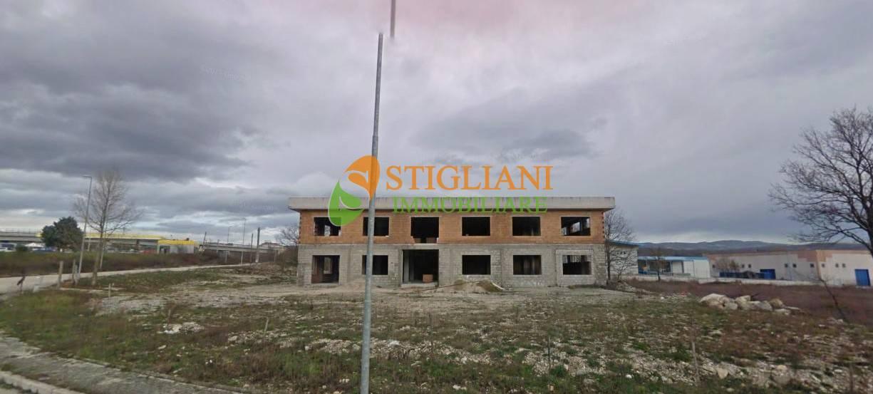 Negozio / Locale in affitto a Vinchiaturo, 9999 locali, zona Località: C.daS.aMaria, Trattative riservate | CambioCasa.it
