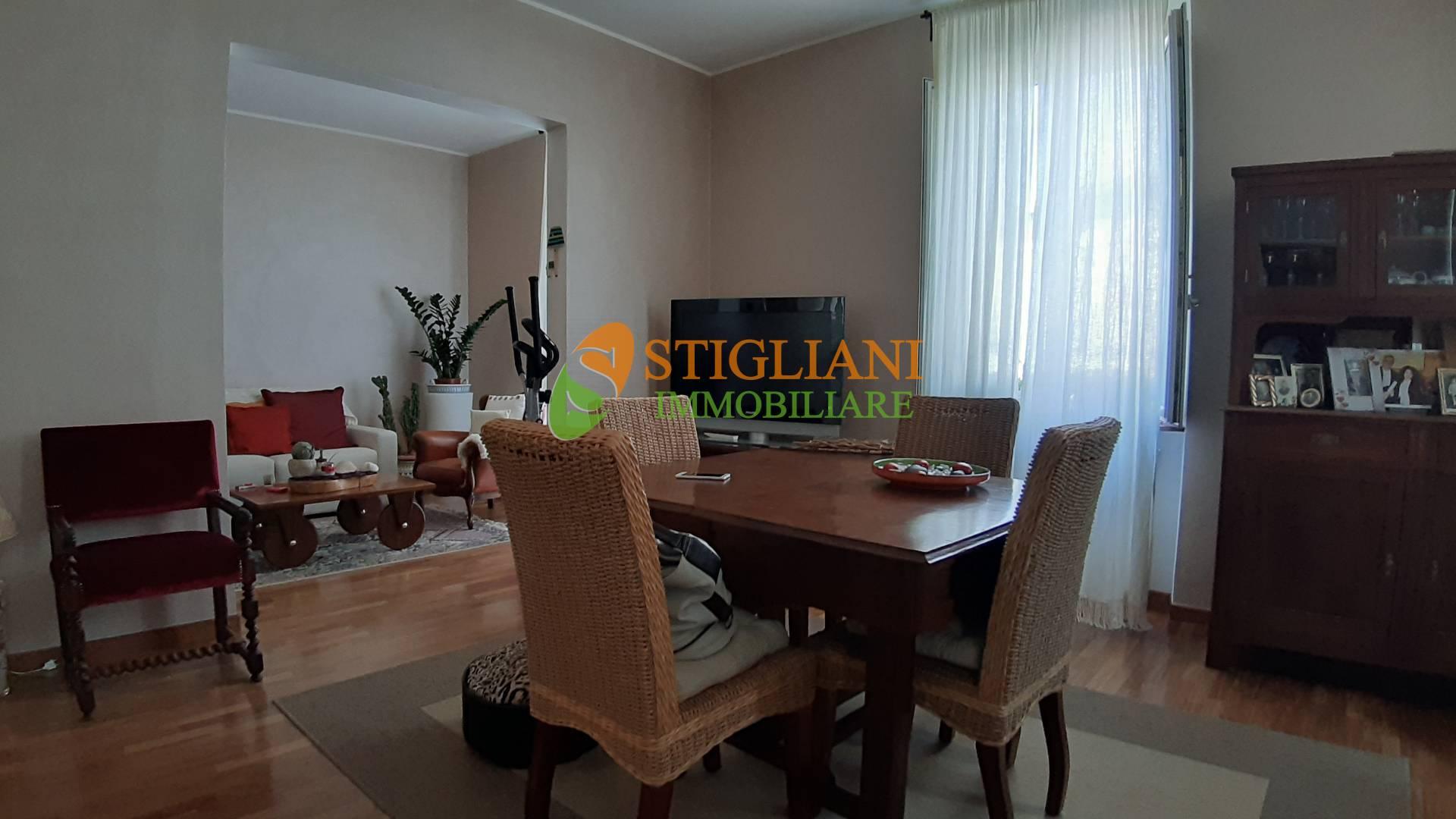 Appartamento in vendita a Campobasso, 6 locali, zona Zona: Semicentro, prezzo € 250.000 | CambioCasa.it