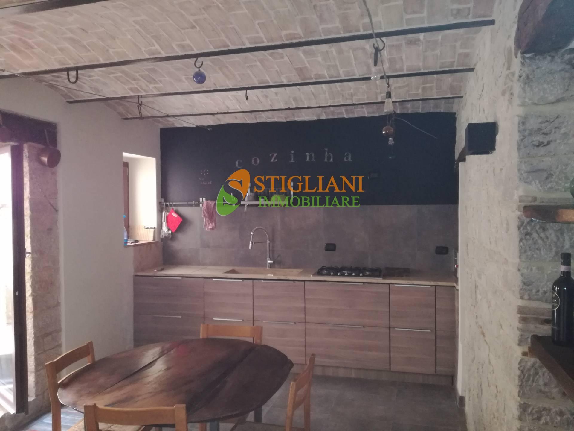 Soluzione Indipendente in vendita a Ferrazzano, 5 locali, zona Località: ViaTeatro, prezzo € 99.000 | CambioCasa.it
