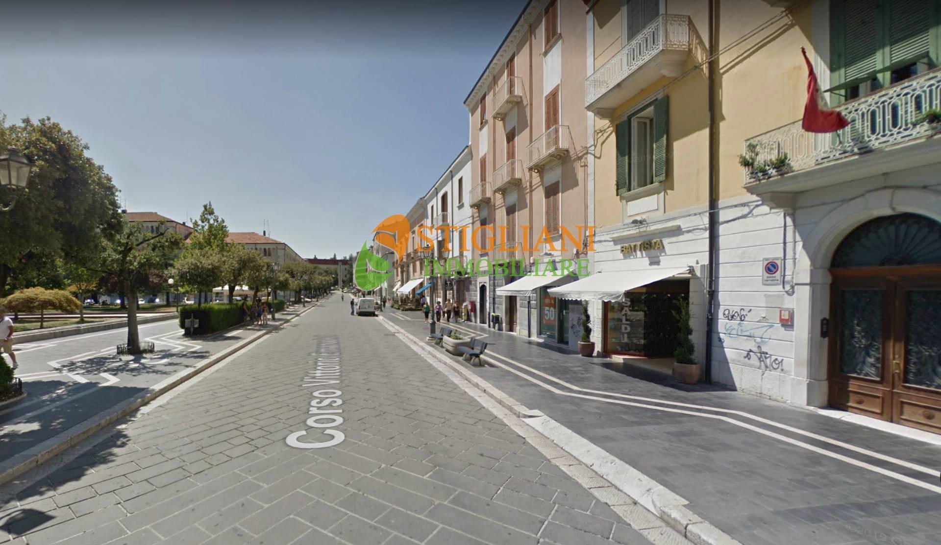 Negozio / Locale in affitto a Campobasso, 9999 locali, zona Zona: Centro, prezzo € 1.300   CambioCasa.it