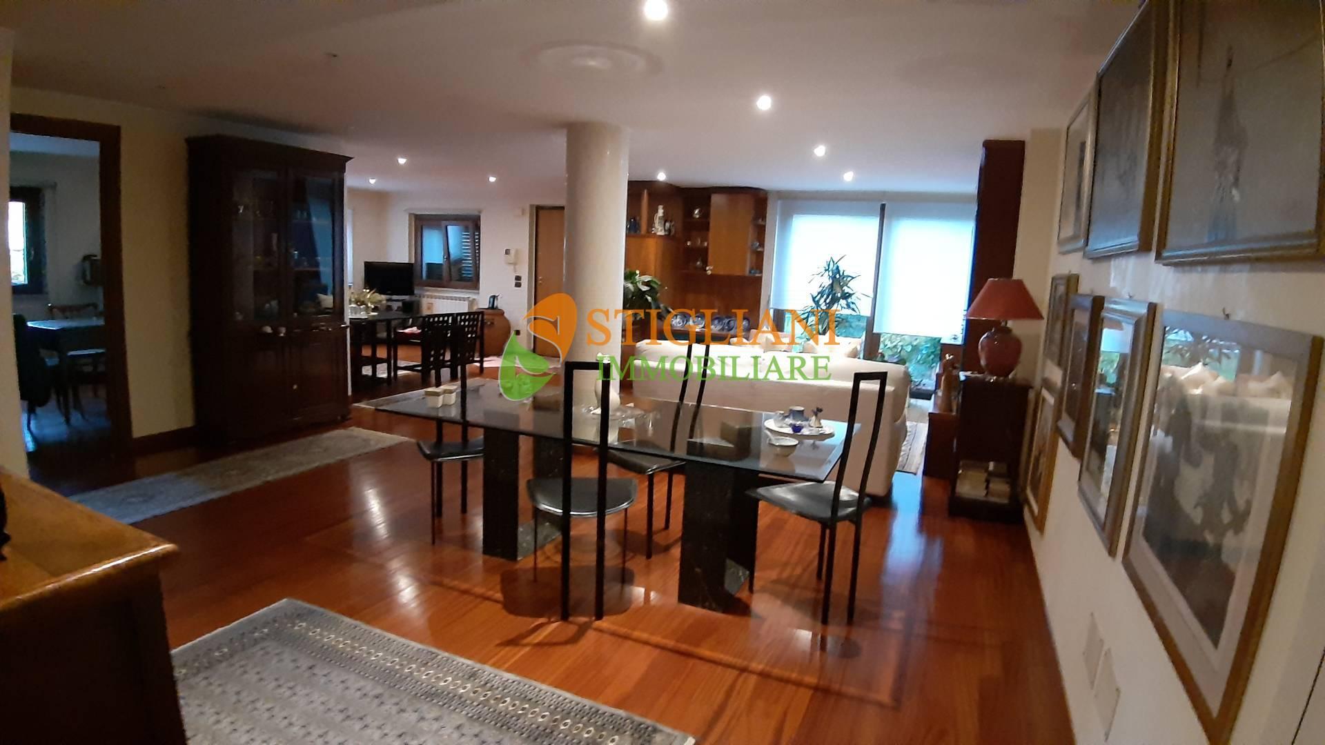 Villa Bifamiliare in vendita a Campobasso, 8 locali, zona Zona: Semicentro, Trattative riservate | CambioCasa.it