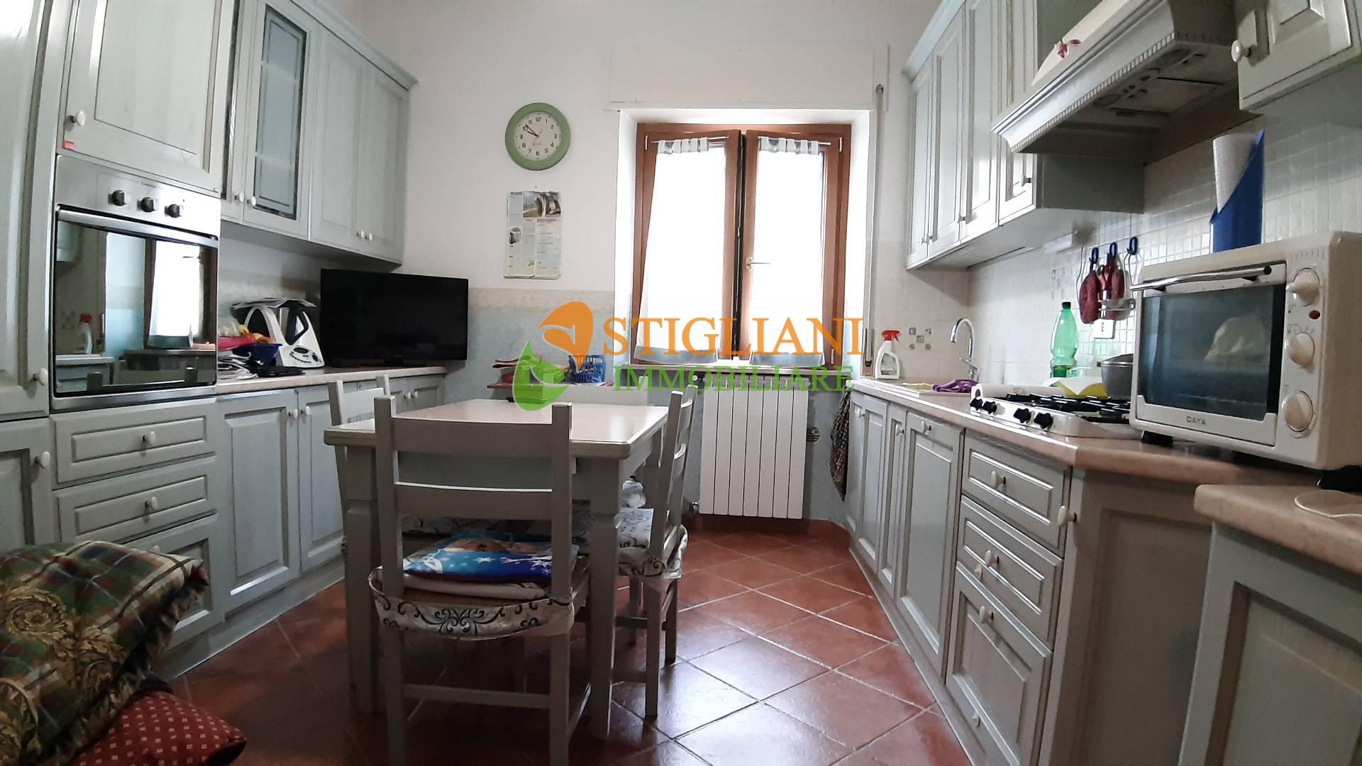 Appartamento in vendita a Campobasso, 4 locali, zona Località: ViaDiVittorio, prezzo € 100.000 | CambioCasa.it