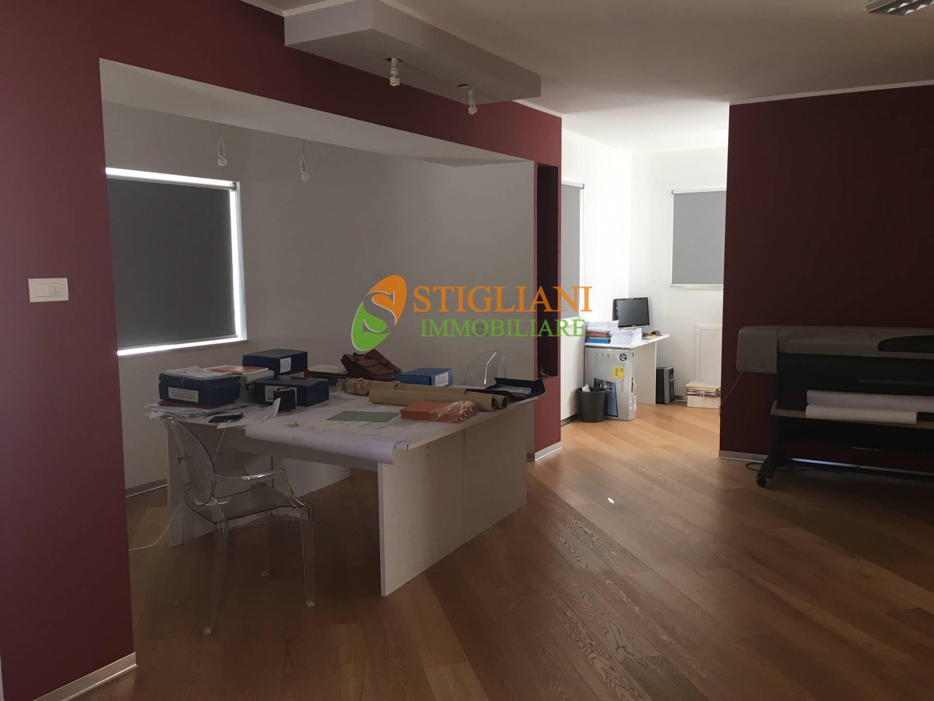 Ufficio / Studio in vendita a Campobasso, 9999 locali, zona Località: ViaFolchi, prezzo € 140.000 | CambioCasa.it
