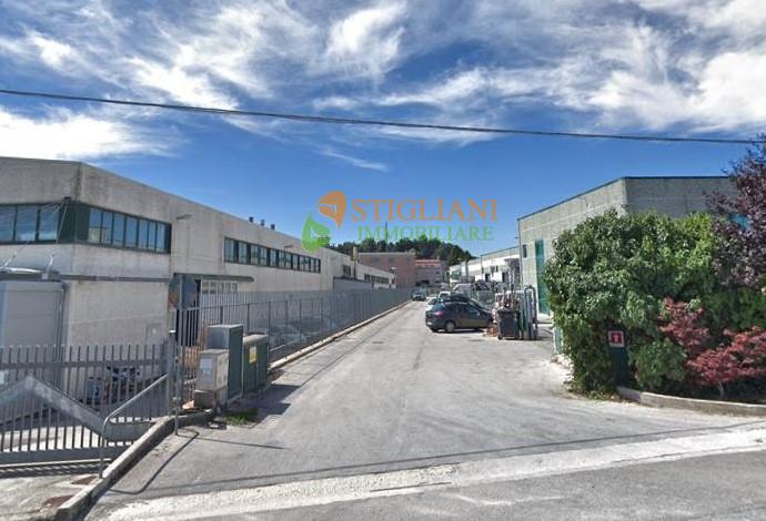 Negozio / Locale in affitto a Ripalimosani, 9999 locali, zona Località: ZonaIndustriale, Trattative riservate | CambioCasa.it