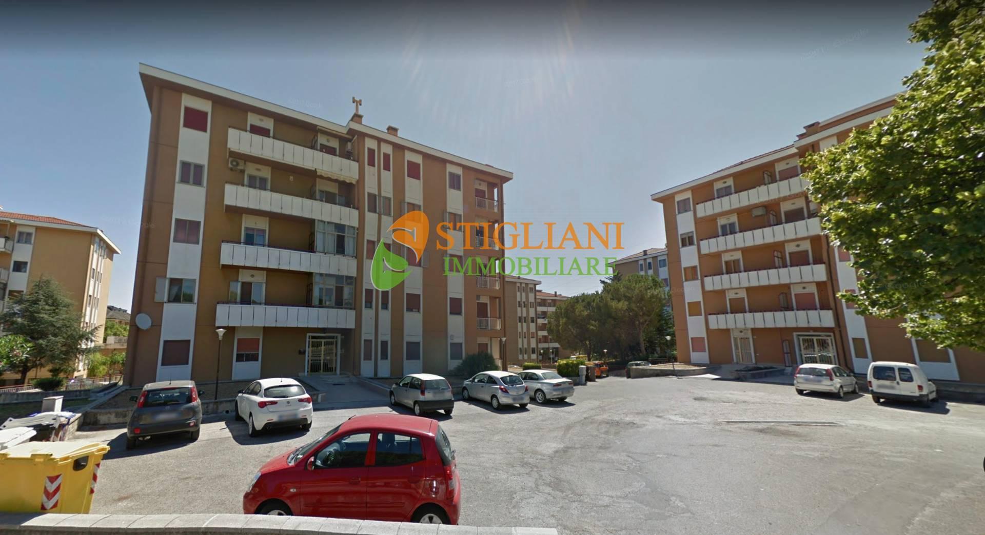 Appartamento in vendita a Termoli, 5 locali, zona Località: viaAmerica, prezzo € 133.000 | CambioCasa.it