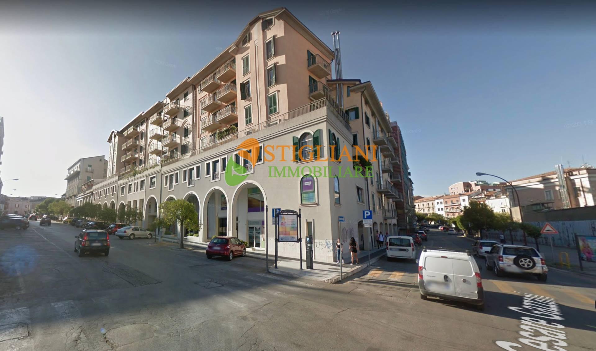 Negozio / Locale in affitto a Campobasso, 9999 locali, zona Zona: Centro, prezzo € 1.000   CambioCasa.it