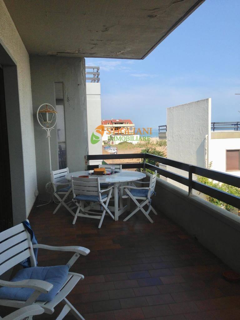Appartamento in vendita a Termoli, 5 locali, zona Località: S.S.16, Trattative riservate | CambioCasa.it