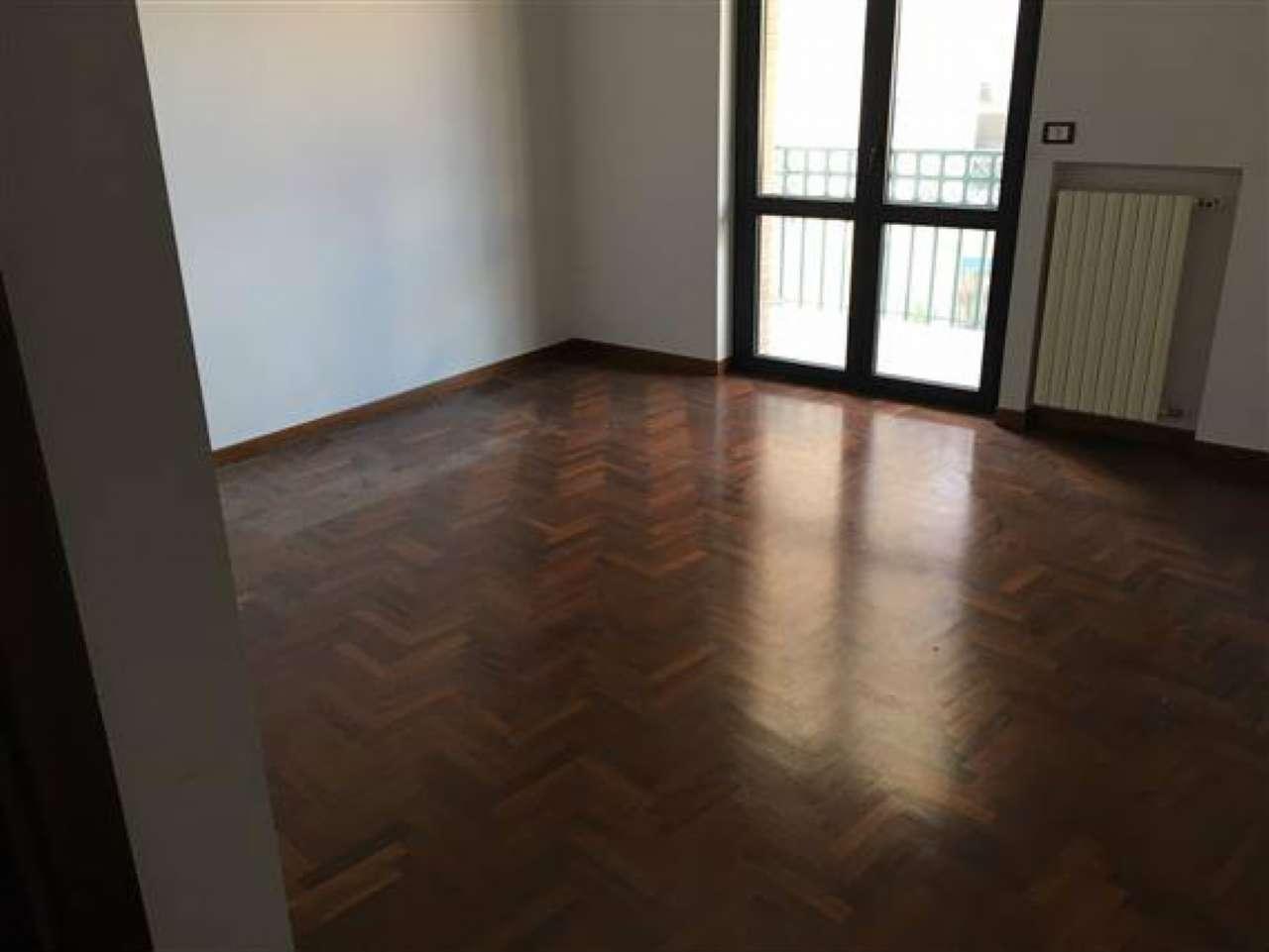 Appartamento in affitto a Campobasso, 5 locali, zona Località: ViaPiave, Trattative riservate   CambioCasa.it