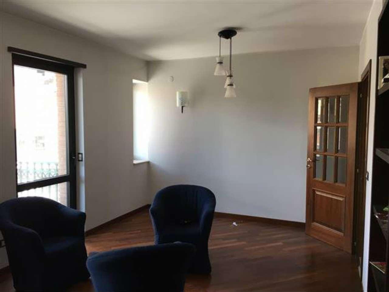 Appartamento in affitto a Campobasso, 5 locali, zona Località: ViaPiave, Trattative riservate | CambioCasa.it