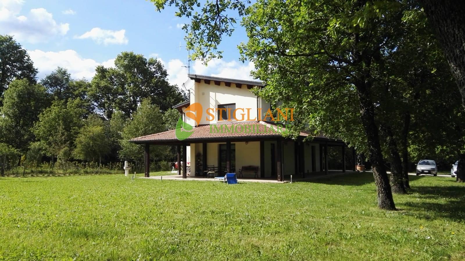 Villa in vendita a San Polo Matese, 6 locali, zona Località: ContradaPorcareccia, Trattative riservate | CambioCasa.it