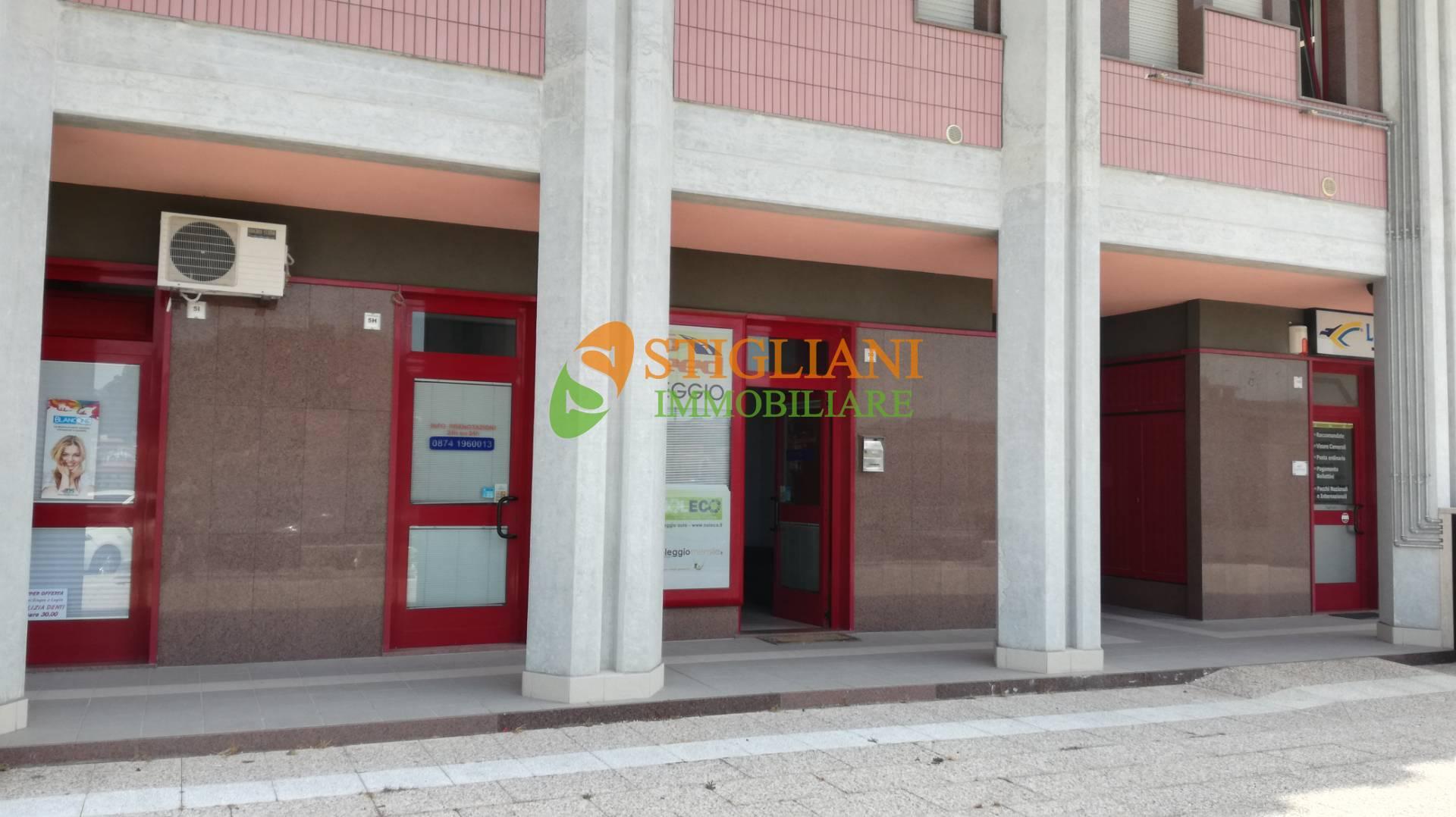 Negozio / Locale in affitto a Campobasso, 9999 locali, zona Zona: Centro, prezzo € 500   CambioCasa.it