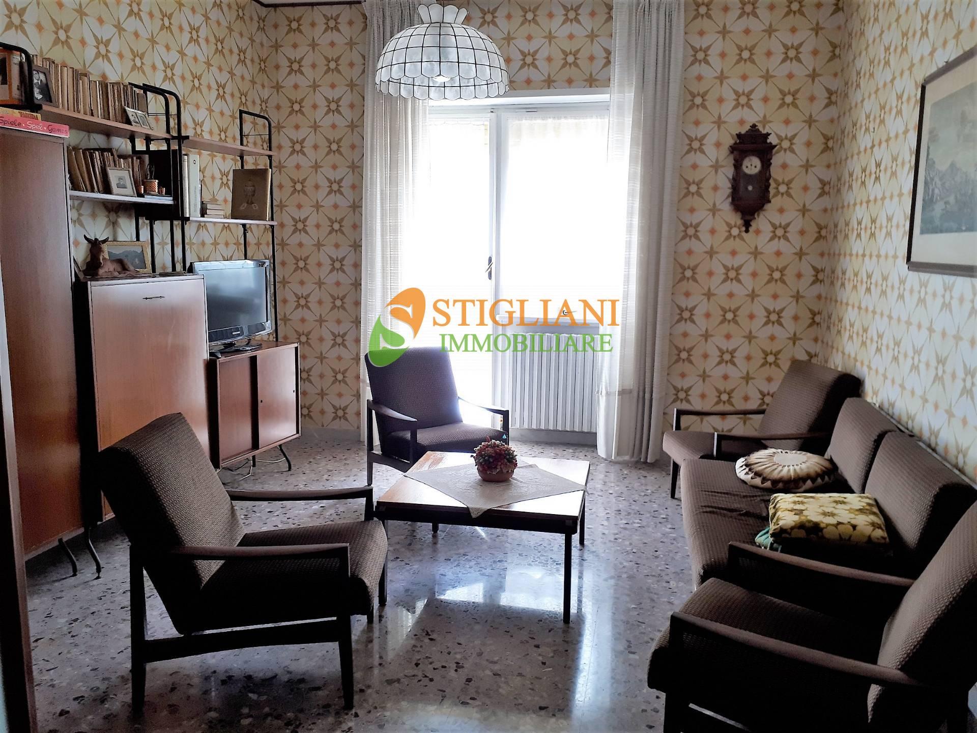 Appartamento in affitto a Campobasso, 6 locali, zona Zona: Semicentro, prezzo € 400   CambioCasa.it