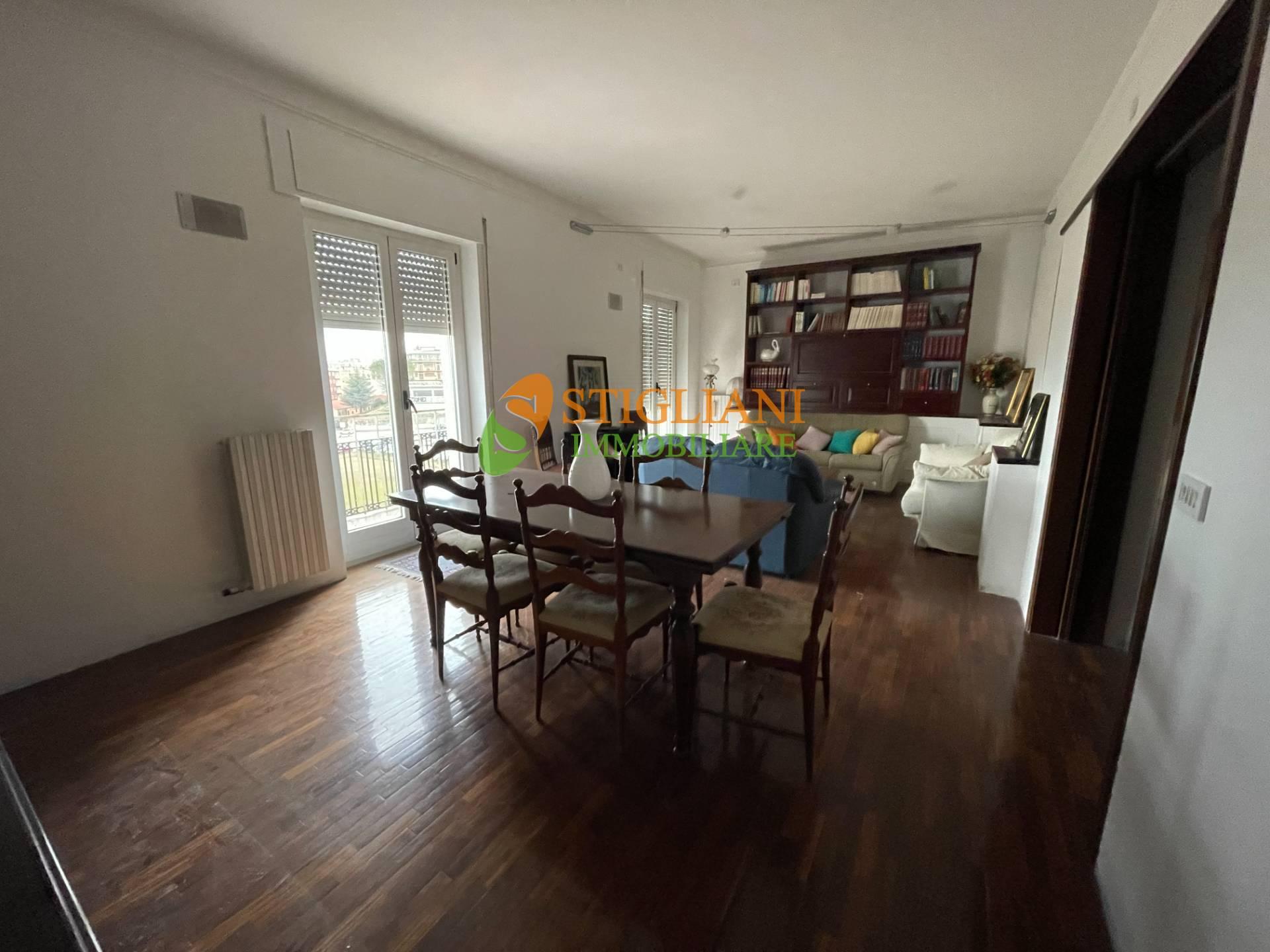 Appartamento in vendita a Campobasso, 5 locali, zona Zona: Centro, prezzo € 165.000 | CambioCasa.it