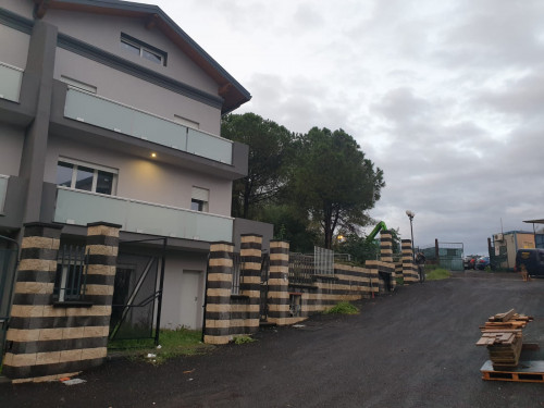 Villa in Vendita a Aci Catena