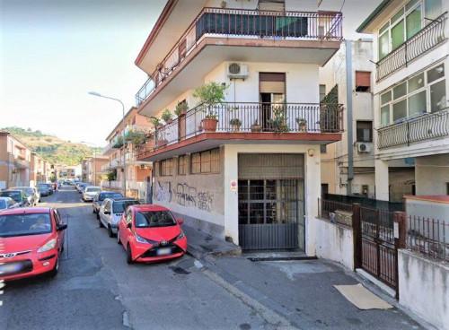 Appartamento in Vendita a Aci Castello