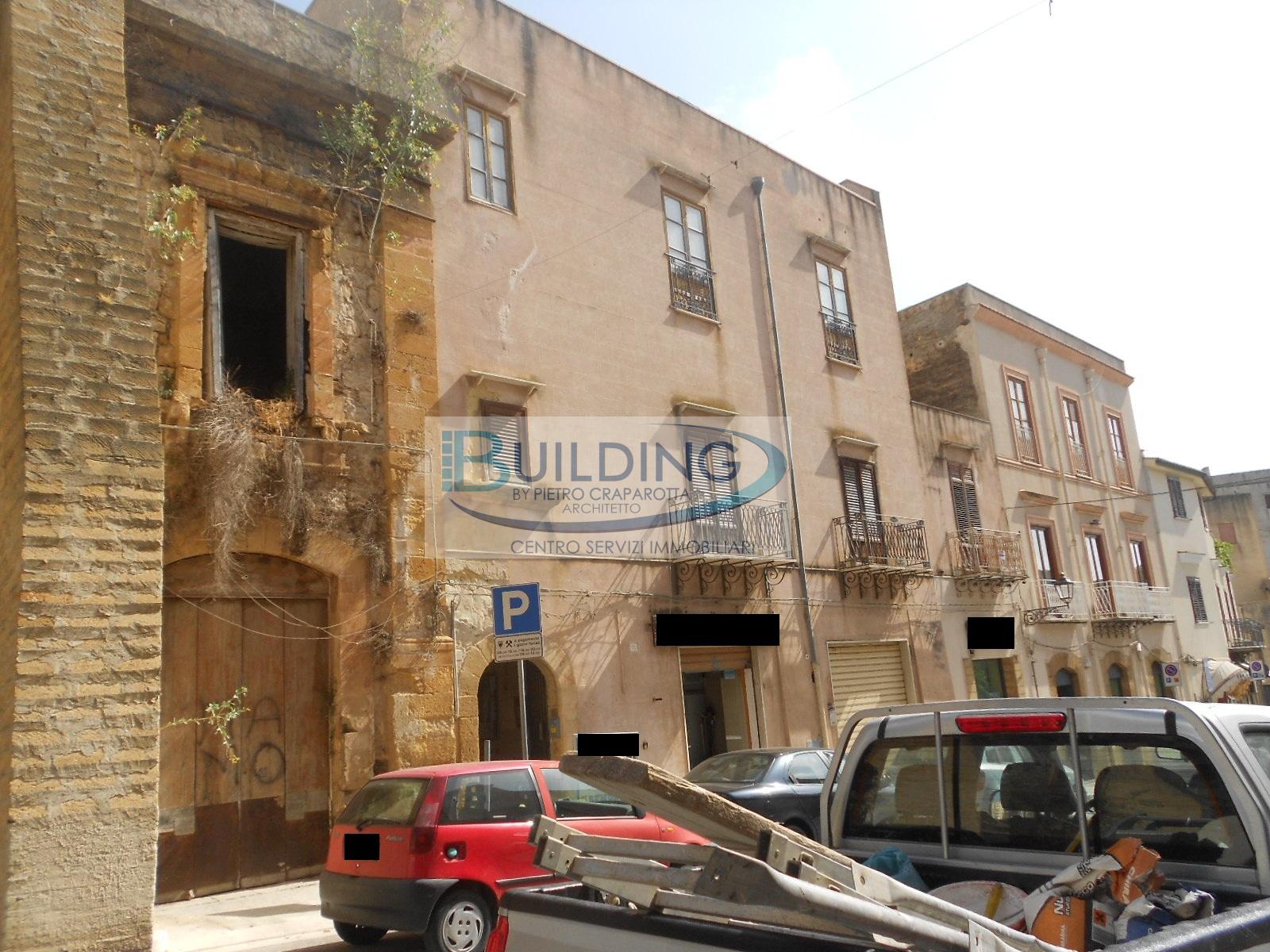 Appartamento in vendita a Castelvetrano, 7 locali, zona Località: CentroStorico, prezzo € 29.000 | PortaleAgenzieImmobiliari.it