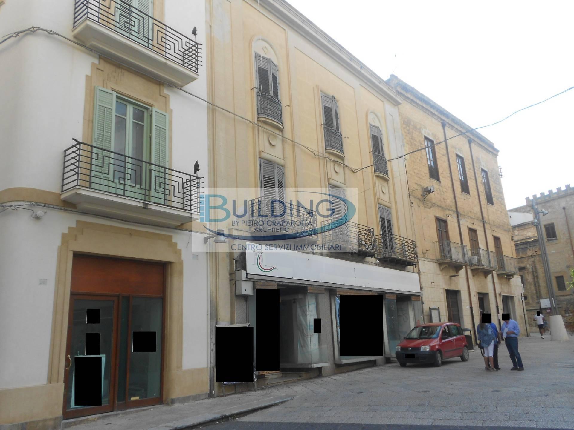Appartamento in vendita a Castelvetrano, 8 locali, zona Località: CastelvetranoCitt?, prezzo € 100.000 | PortaleAgenzieImmobiliari.it