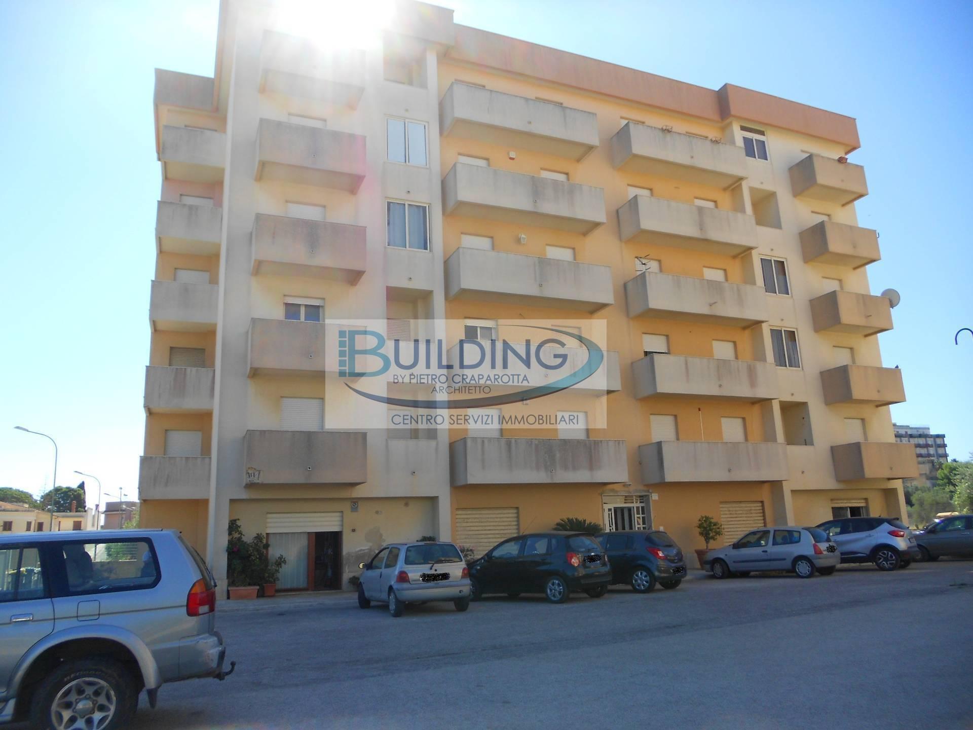 Appartamento in vendita a Castelvetrano, 7 locali, zona Località: CastelvetranoCittà, prezzo € 78.000   PortaleAgenzieImmobiliari.it